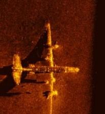 samolot - wrak w obrazie sonarowym