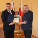 Dariusz de Lorm otrzymuje Certyfikat