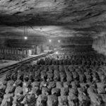 Zasoby Banku Rzeszy zgromadzone w kopalni soli Keiserode (Zbiory: US National Archive)