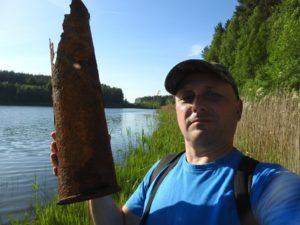 1 Odnaleziona na brzegu łuska- prawdopodobnie czołgowa