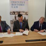 Starosta Drawski, Wicestarosta i Rektor UAM podpisuja umowe o współpracy